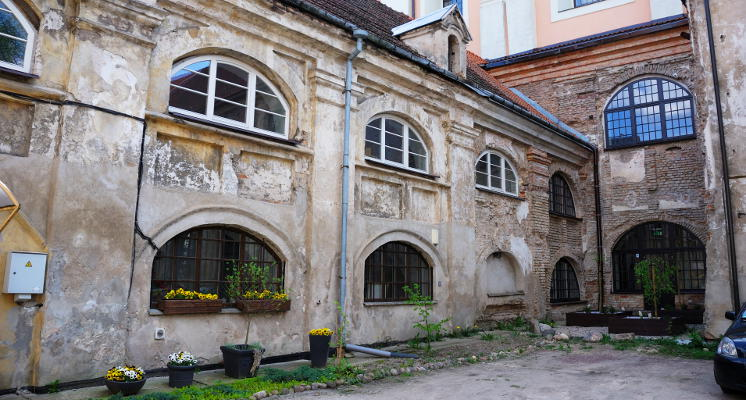 Benediktinu vienuolyno kiemas renesansas Vilniuje