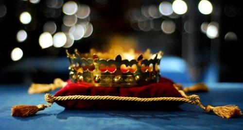 Karališkoji karūna Valdovų rūmų lobyne