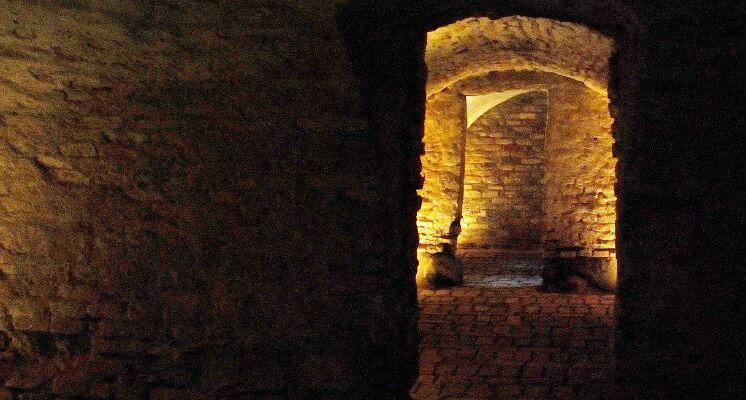 Bernardinu baznycios kriptos pozemiai