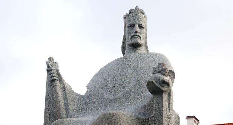 Mindaugas karalius skulptura