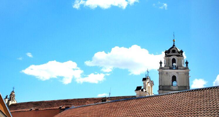 Vilniaus Universiteto stogai varpine