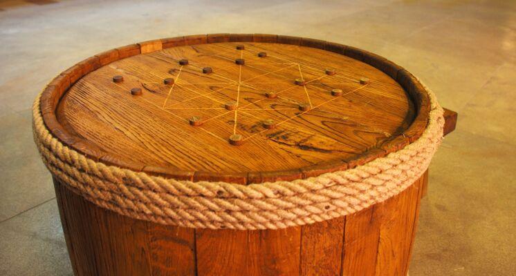 Kvirkatas - senovinis stalo žaidimų prototipas, žaidžiamas ant statinės dangčio