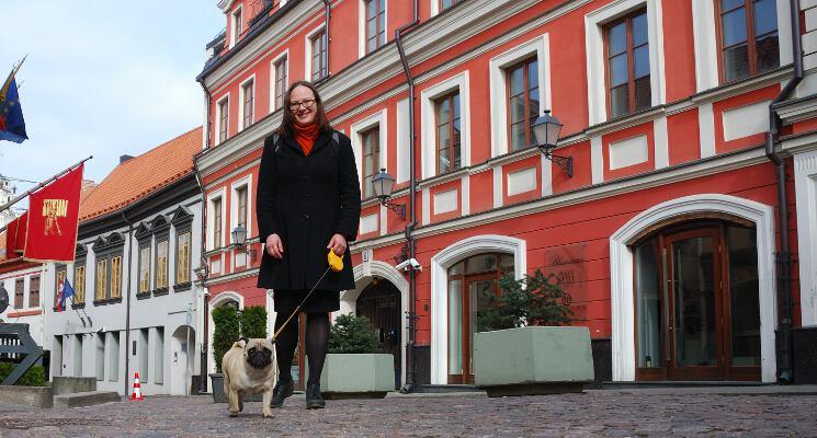 Bella stikliu gatveje ekskursijos su sunimis