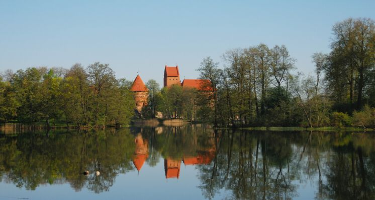 Trakai salos pilis castle side