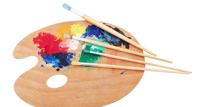Paskata imtis naujo hobio gali būti puiki kalėdinė dovana. Nuotraukoje - medinė paletė su dažais tapybai.
